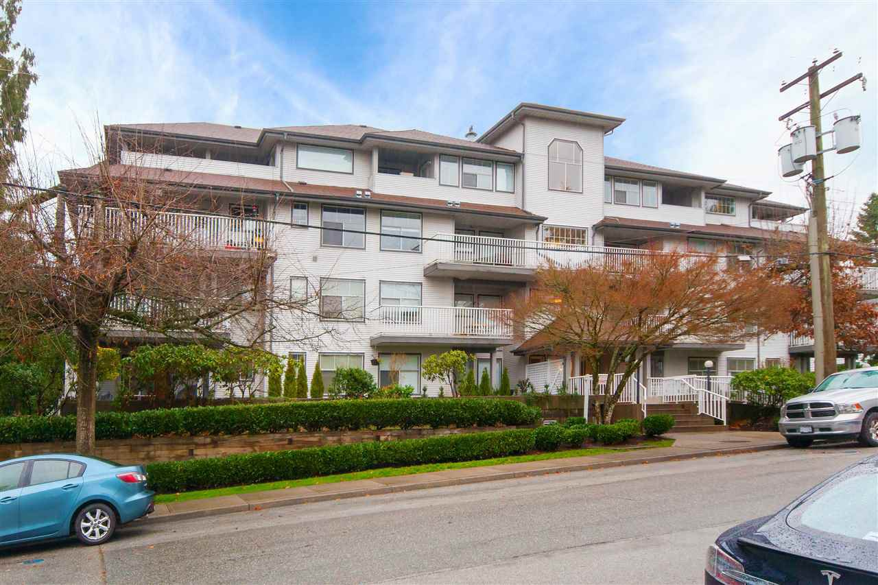 Main Photo: 206 20561 113 Avenue in Maple Ridge: Southwest Maple Ridge Condo for sale : MLS®# R2330553