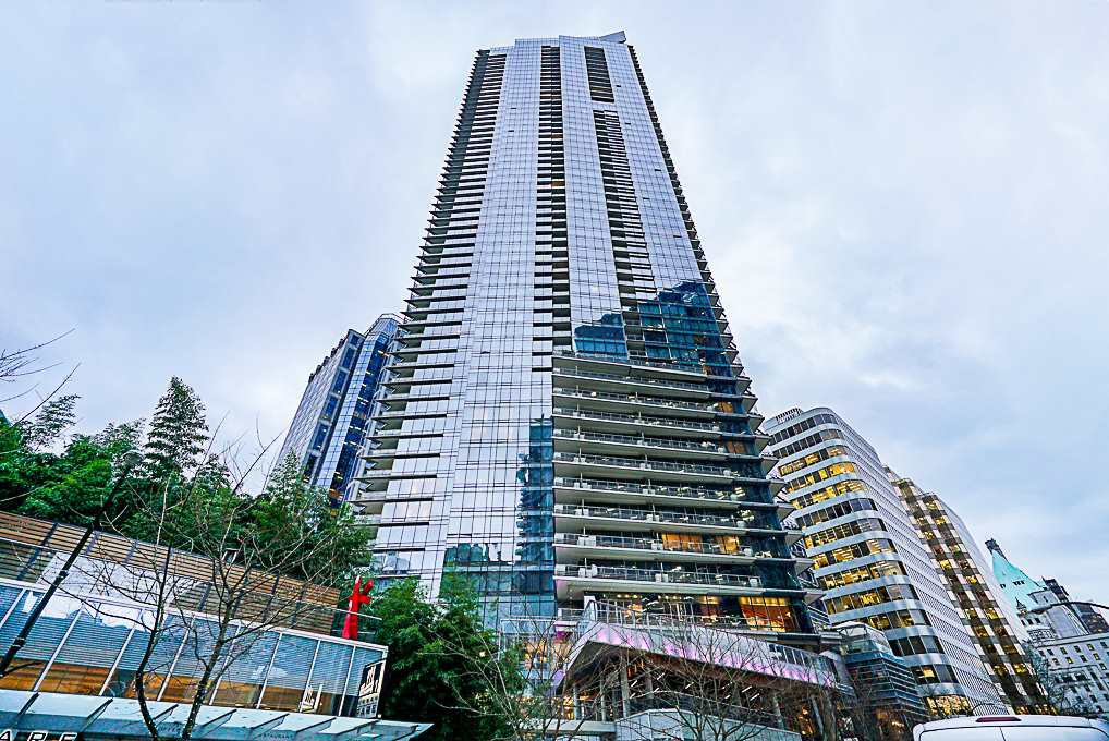 "Main Photo: 2207 1111 ALBERNI Street in Vancouver: West End VW Condo for sale in ""Shangri-La"" (Vancouver West)  : MLS®# R2335303"