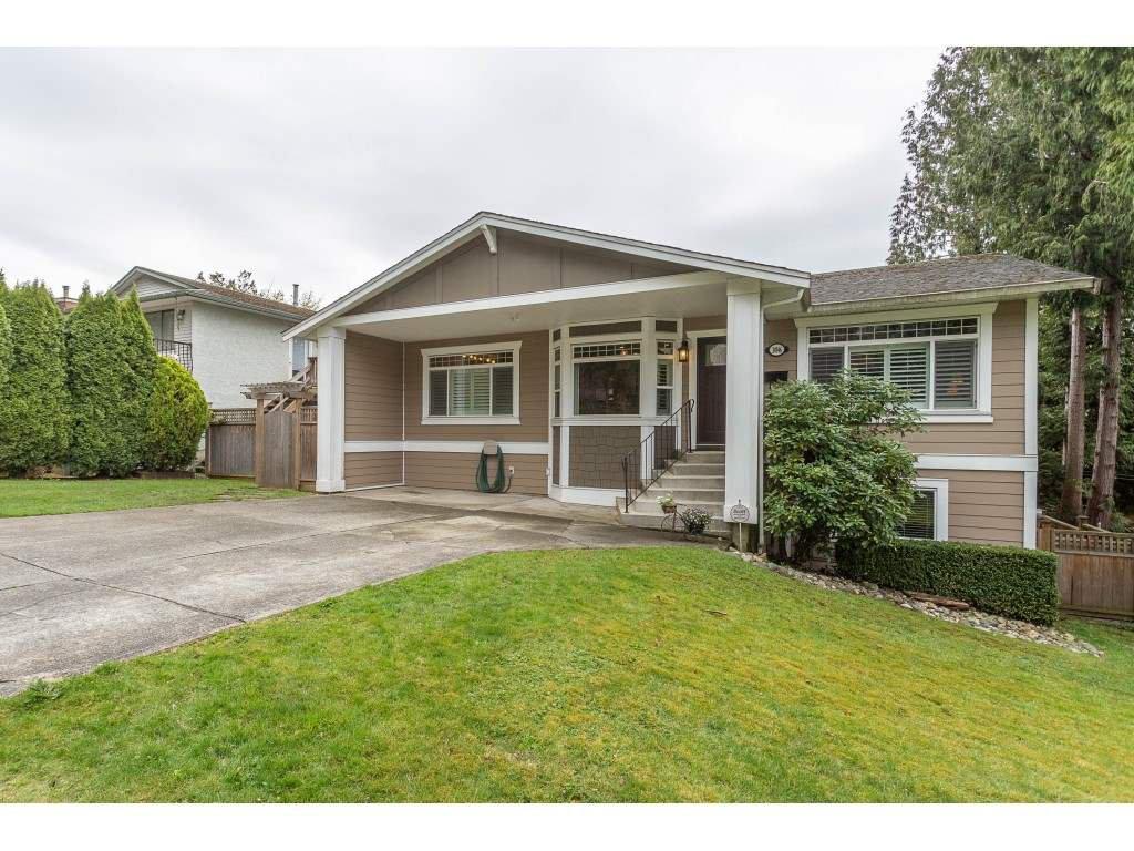 "Main Photo: 34946 GLENN MOUNTAIN Drive in Abbotsford: Abbotsford East House for sale in ""Glenn Mountain"" : MLS®# R2357897"