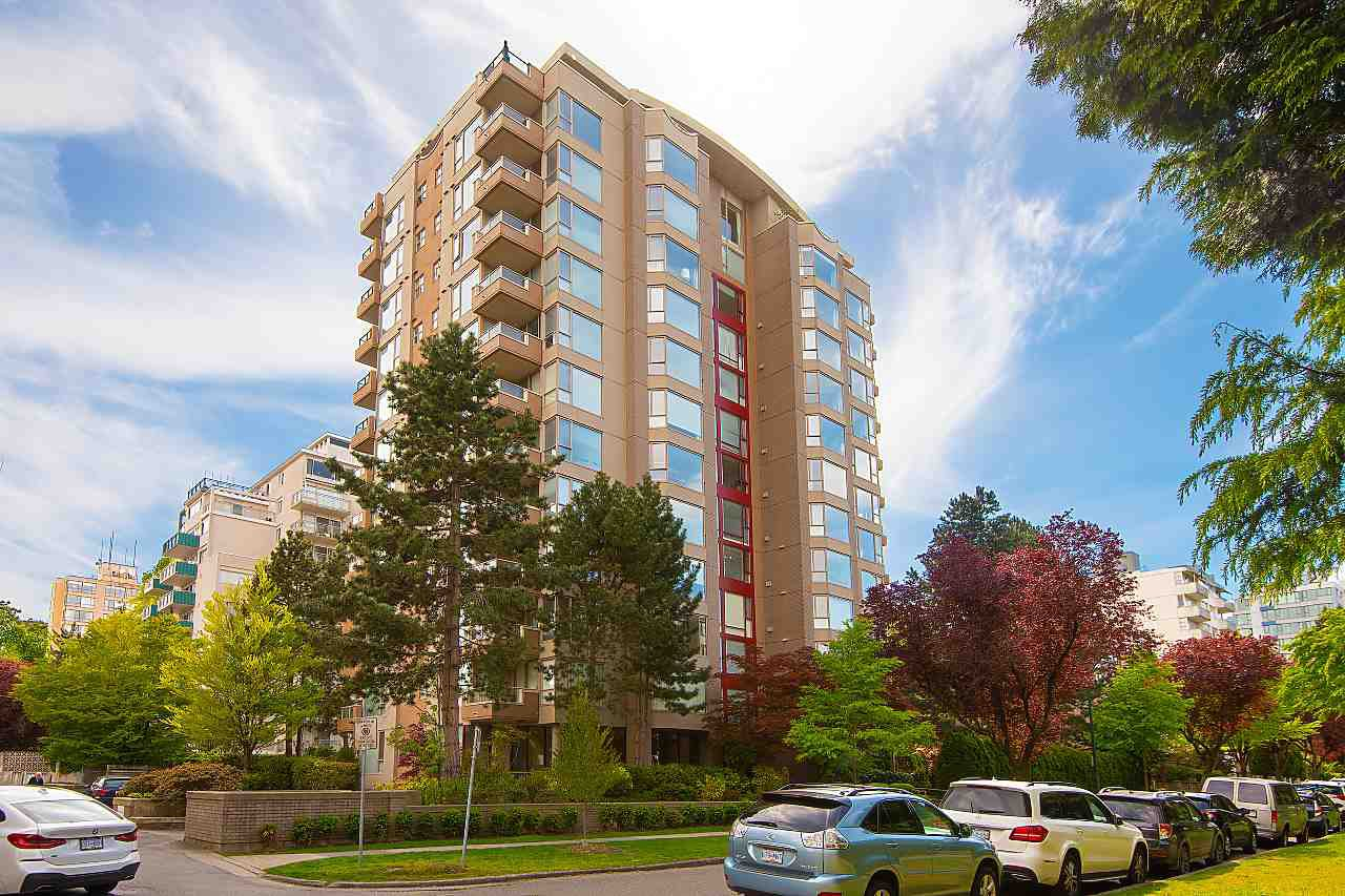 Main Photo: 302 2108 W 38TH Avenue in Vancouver: Kerrisdale Condo for sale (Vancouver West)  : MLS®# R2368154