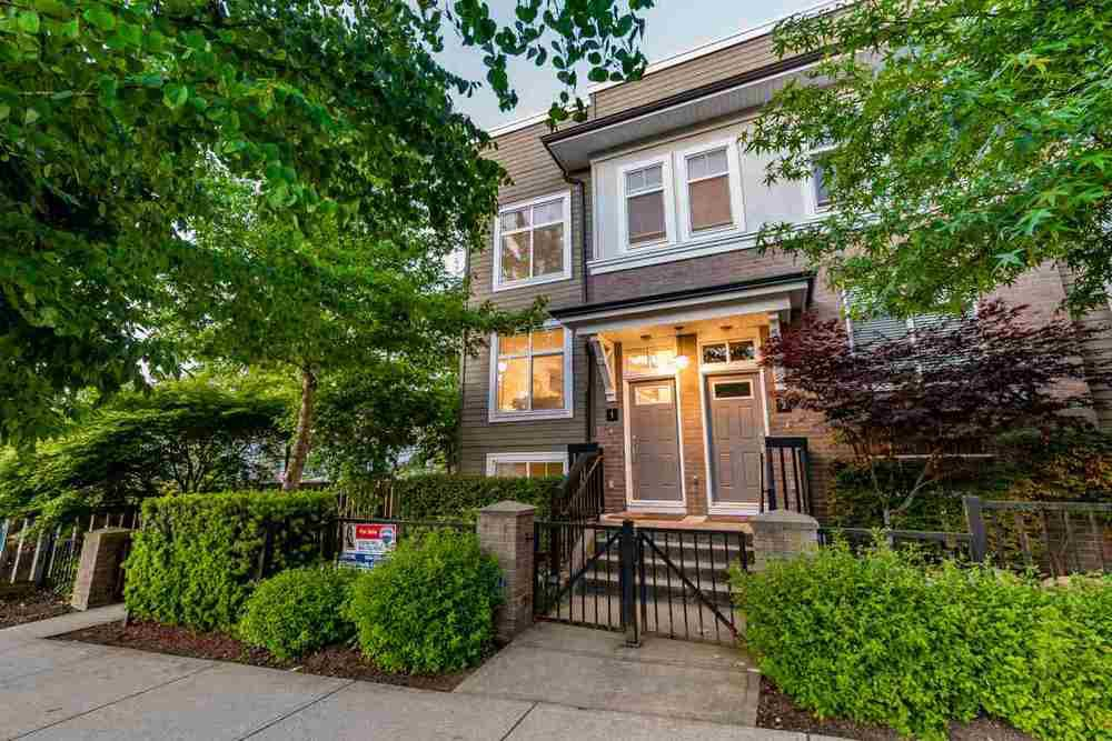 Main Photo: 1 15833 26th Avenue in Brownstones: Home for sale : MLS®# R2172001