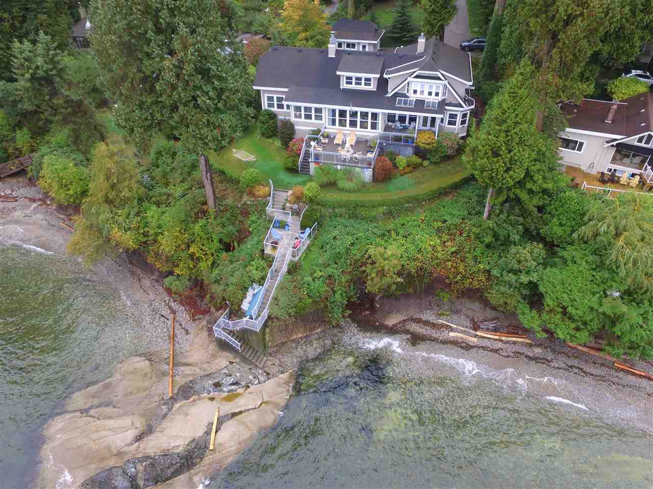 Main Photo: 3435 BEACH Avenue: Roberts Creek House for sale (Sunshine Coast)  : MLS®# R2414197