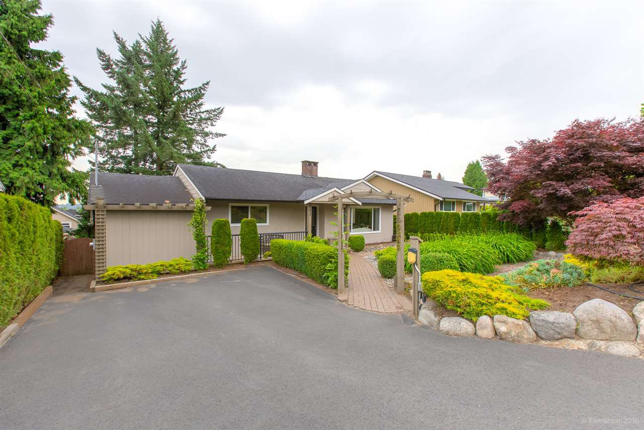 Main Photo: 952 EDGAR Avenue in Coquitlam: Maillardville House for sale : MLS®# R2469119