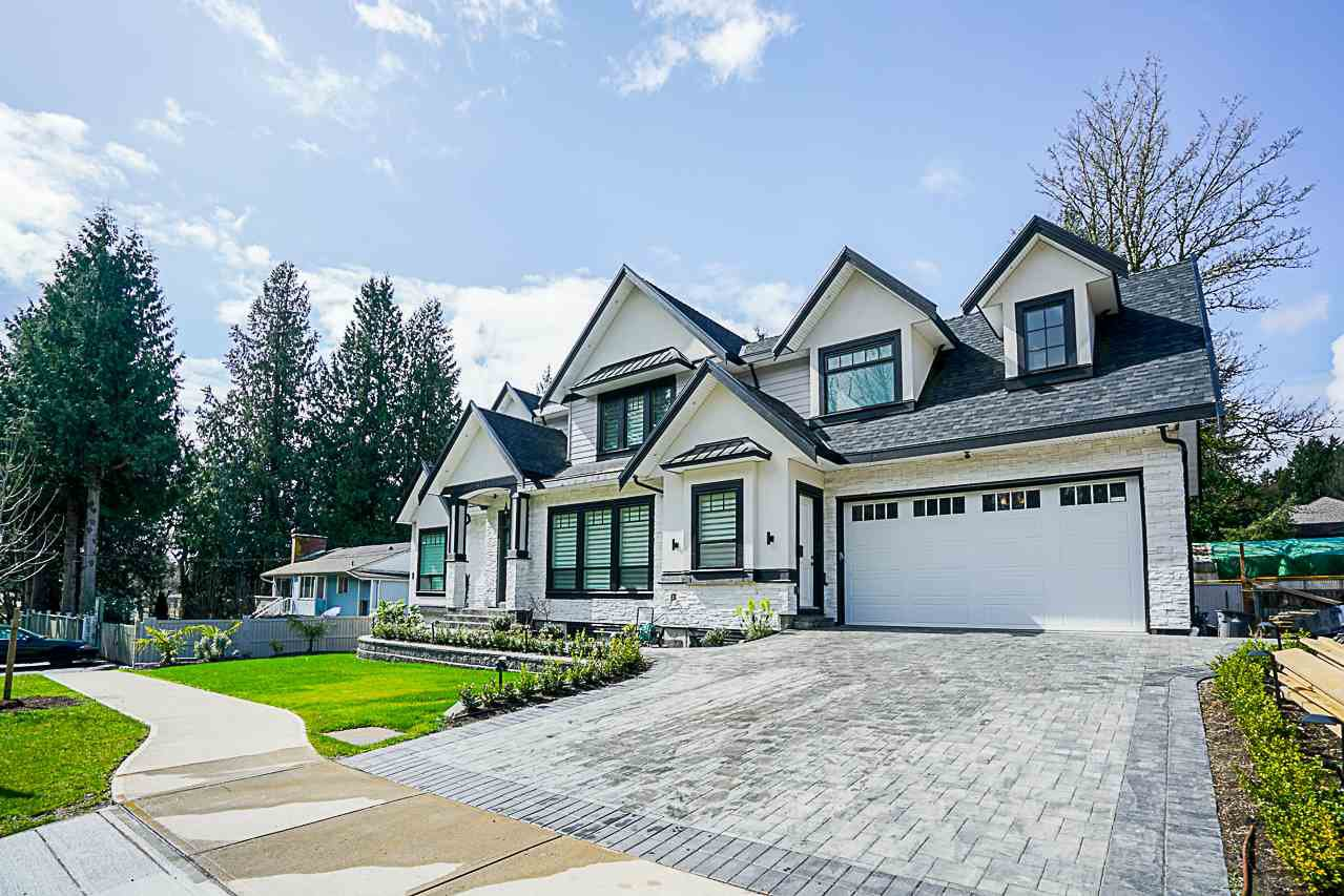 Main Photo: 6777 138 STREET in Surrey: House for sale : MLS®# R2249941