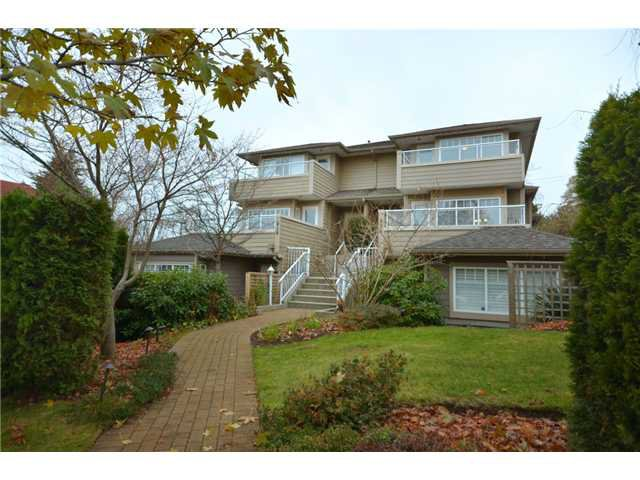 Main Photo: 416 W KEITH Road in North Vancouver: Central Lonsdale House 1/2 Duplex for sale : MLS®# V921744