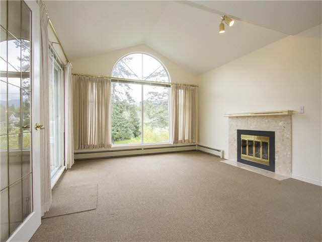 "Main Photo: 21 2130 MARINE Drive in West Vancouver: Dundarave Condo for sale in ""Lincoln Gardens"" : MLS®# V1115405"