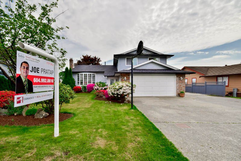 Main Photo: 14776 87A Avenue in Surrey: Bear Creek Green Timbers House for sale : MLS®# R2062304