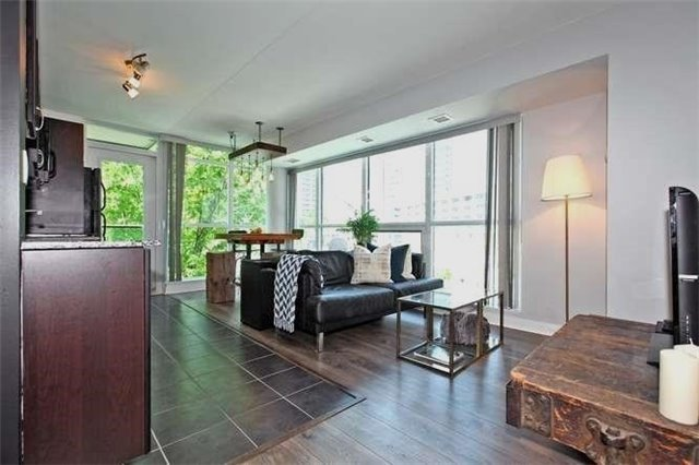 Main Photo: 326 600 Fleet Street in Toronto: Niagara Condo for sale (Toronto C01)  : MLS®# C3510786
