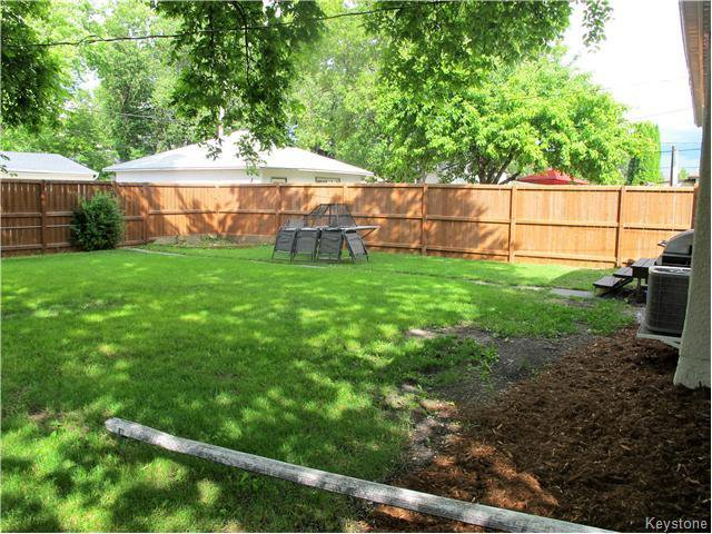 Photo 4: Photos:  in Winnipeg: East Kildonan Residential for sale (North East Winnipeg)  : MLS®# 1617699
