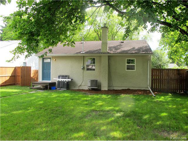 Photo 2: Photos:  in Winnipeg: East Kildonan Residential for sale (North East Winnipeg)  : MLS®# 1617699