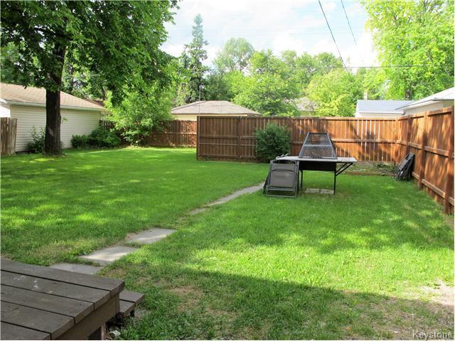 Photo 3: Photos:  in Winnipeg: East Kildonan Residential for sale (North East Winnipeg)  : MLS®# 1617699