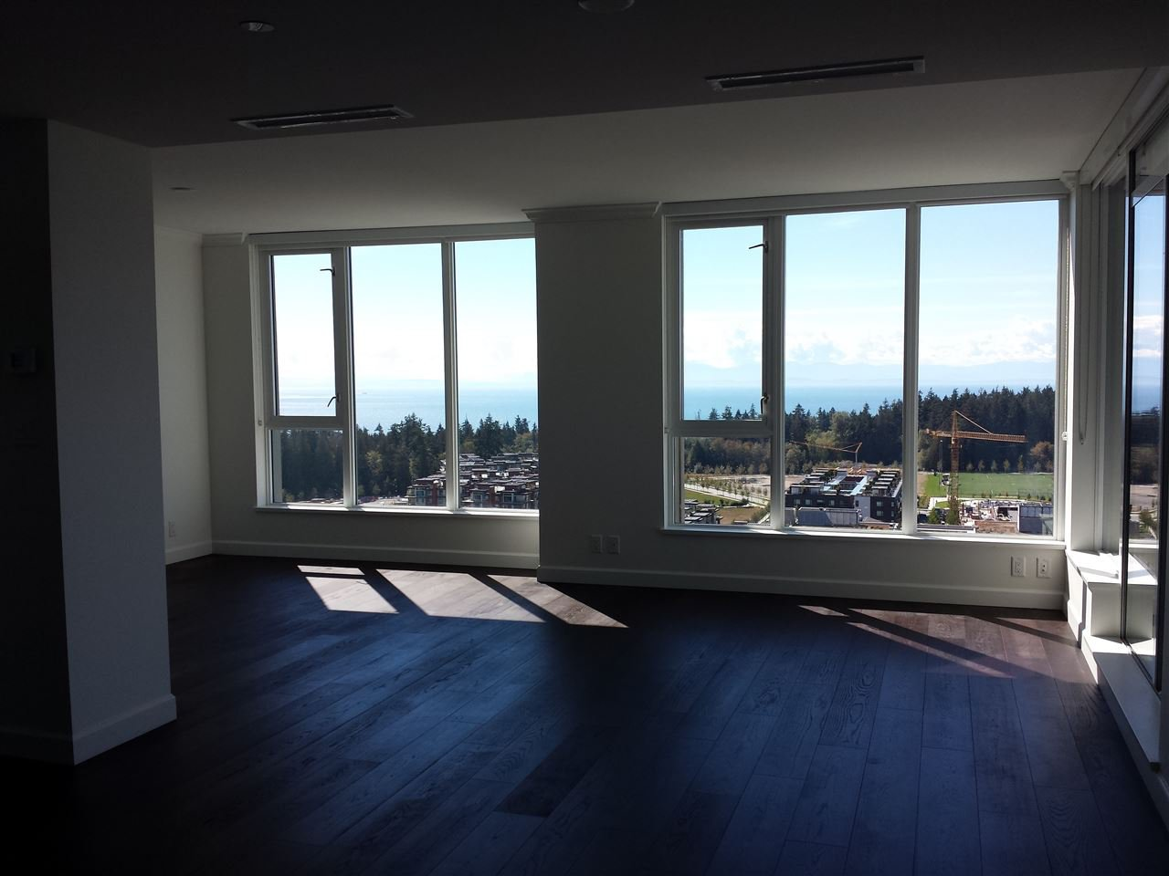 "Photo 3: Photos: 2301 3355 BINNING Road in Vancouver: University VW Condo for sale in ""BINNING TOWER"" (Vancouver West)  : MLS®# R2106362"