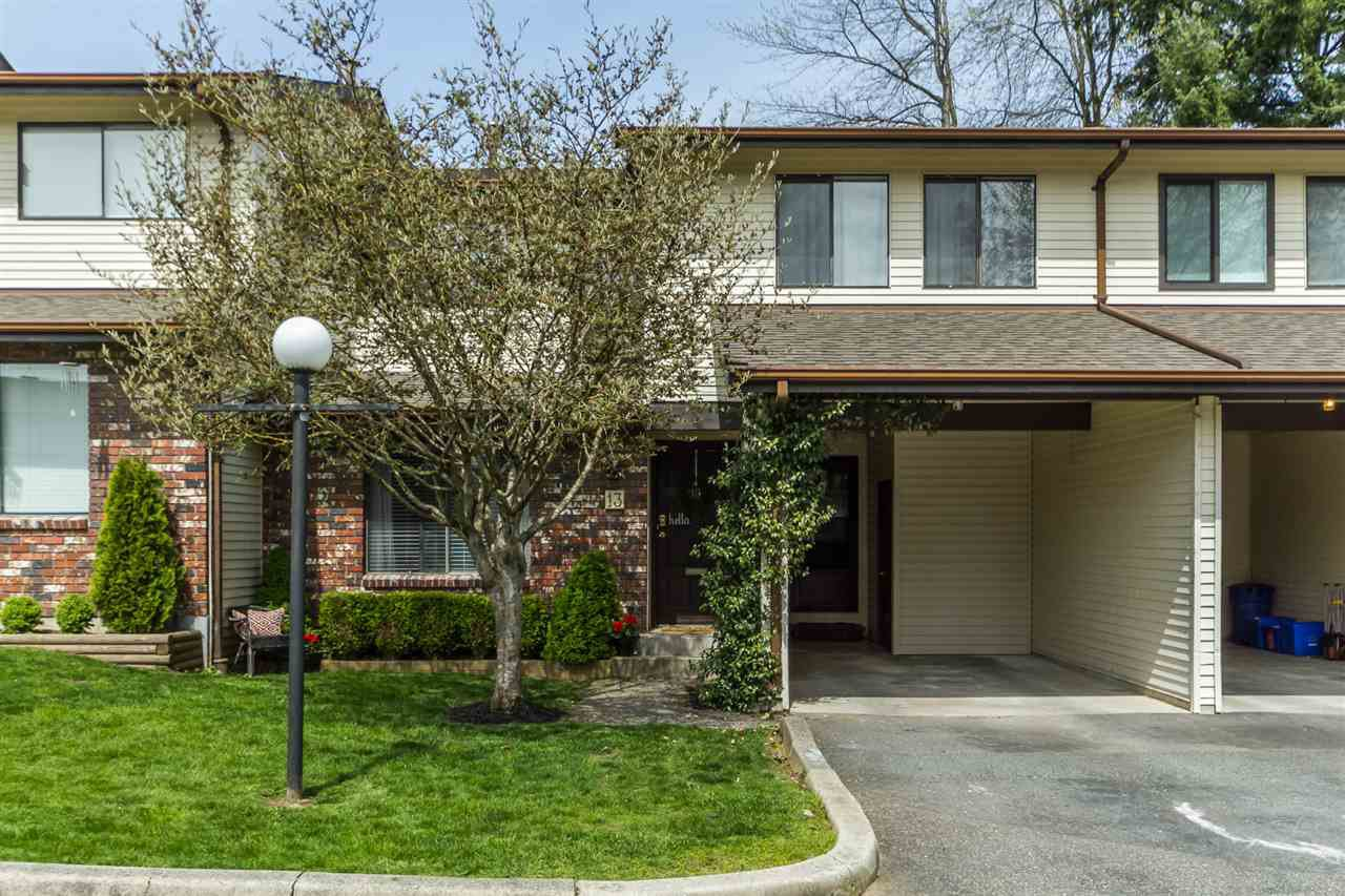 """Main Photo: 13 33951 MARSHALL Road in Abbotsford: Central Abbotsford Townhouse for sale in """"Arrow Wood"""" : MLS®# R2162342"""