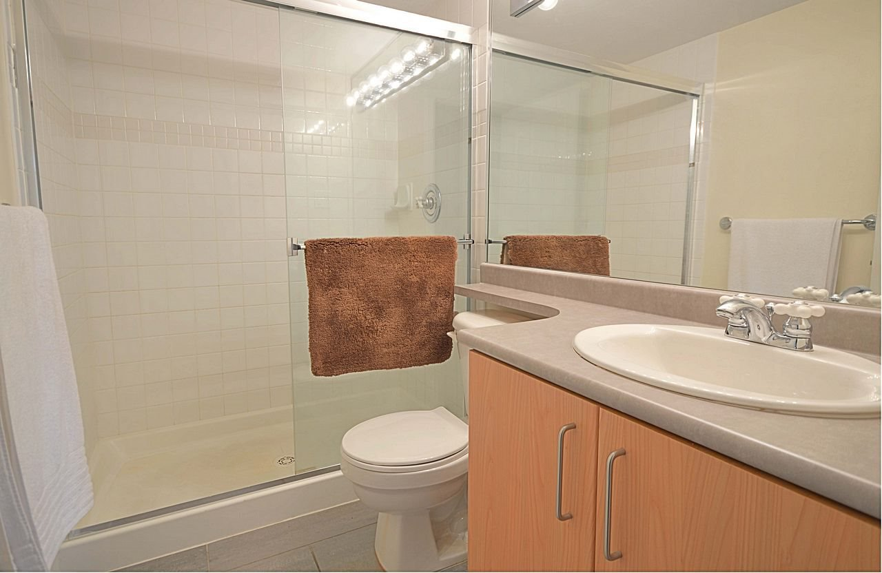 """Photo 11: Photos: 304 3148 ST JOHNS Street in Port Moody: Port Moody Centre Condo for sale in """"SONRISA"""" : MLS®# R2169033"""