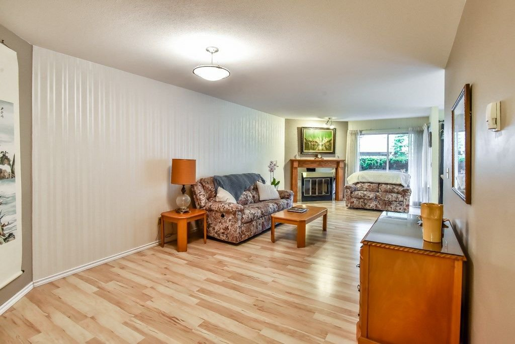 """Photo 11: Photos: 105 10584 153RD Street in Surrey: Guildford Townhouse for sale in """"Glenwood Village"""" (North Surrey)  : MLS®# R2266261"""