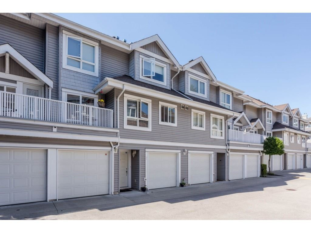 """Main Photo: 7 8968 208 Street in Langley: Walnut Grove Townhouse for sale in """"Cambridge Court"""" : MLS®# R2273061"""
