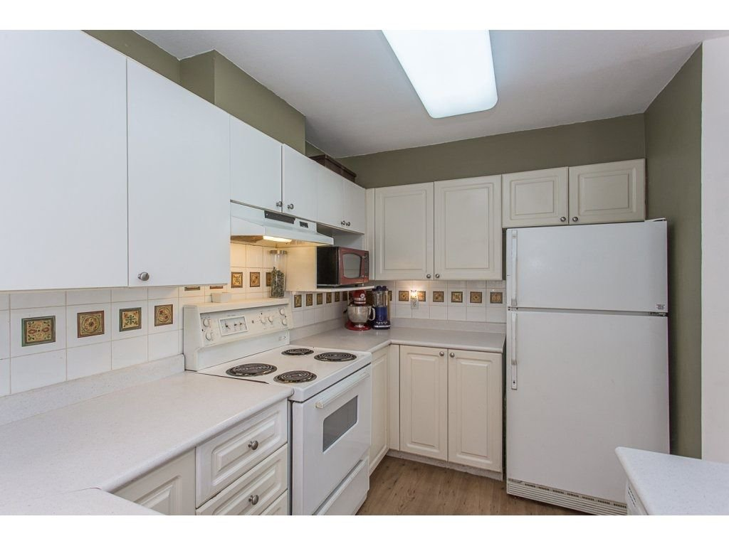 Photo 5: Photos: 3 11229 232ND Street in Maple Ridge: East Central Townhouse for sale : MLS®# R2274229
