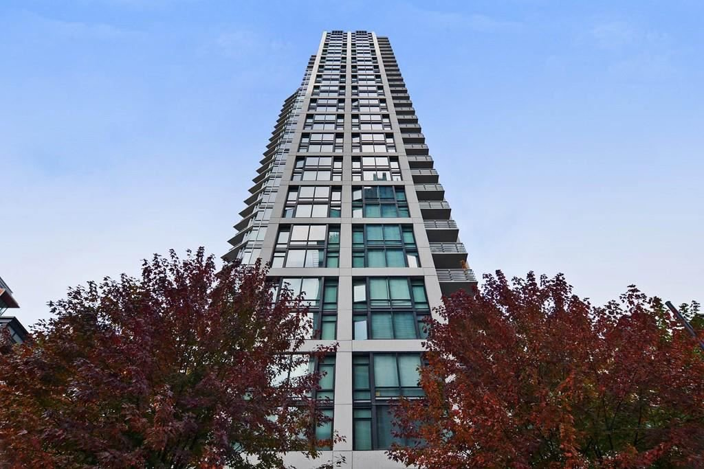 "Main Photo: 1002 1255 SEYMOUR Street in Vancouver: Downtown VW Condo for sale in ""The Elan by Cressey"" (Vancouver West)  : MLS®# R2292317"