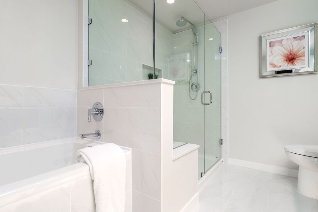 """Photo 13: Photos: 1307 3100 WINDSOR Gate in Coquitlam: New Horizons Condo for sale in """"THE LLOYD"""" : MLS®# R2310567"""
