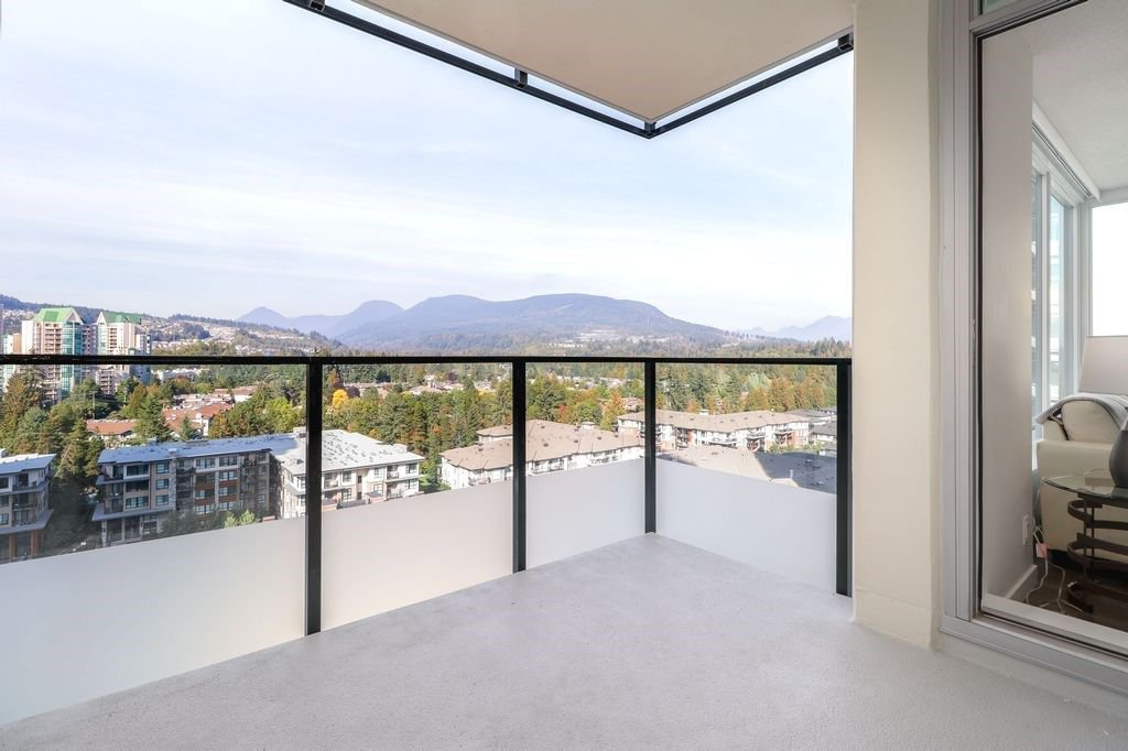 """Photo 8: Photos: 1307 3100 WINDSOR Gate in Coquitlam: New Horizons Condo for sale in """"THE LLOYD"""" : MLS®# R2310567"""