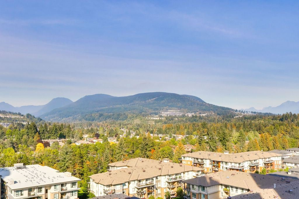 """Photo 9: Photos: 1307 3100 WINDSOR Gate in Coquitlam: New Horizons Condo for sale in """"THE LLOYD"""" : MLS®# R2310567"""