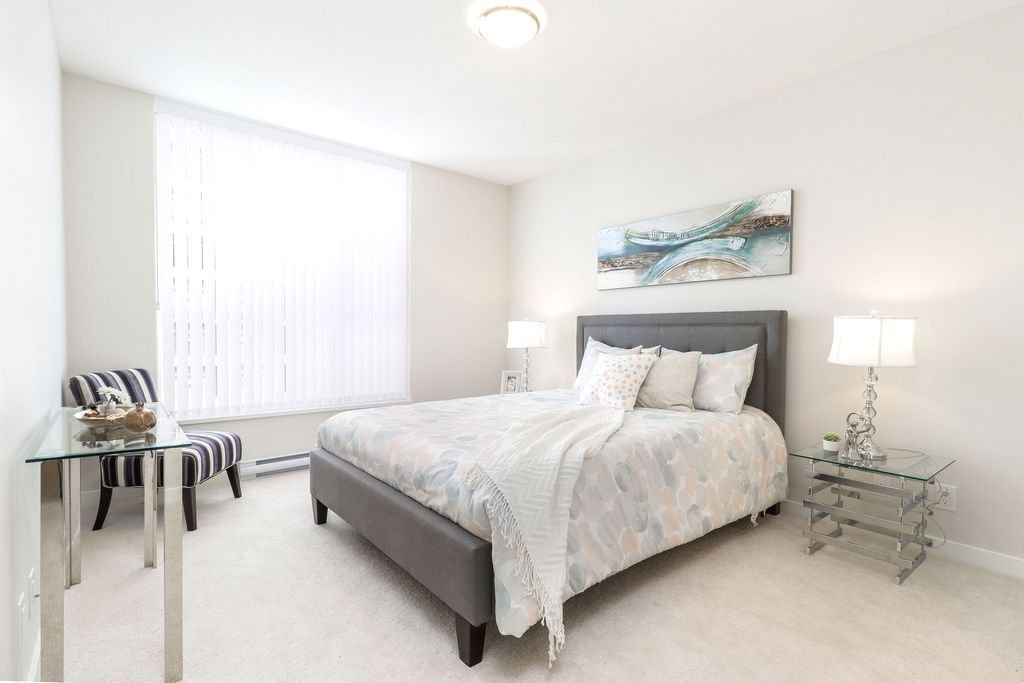 """Photo 10: Photos: 1307 3100 WINDSOR Gate in Coquitlam: New Horizons Condo for sale in """"THE LLOYD"""" : MLS®# R2310567"""