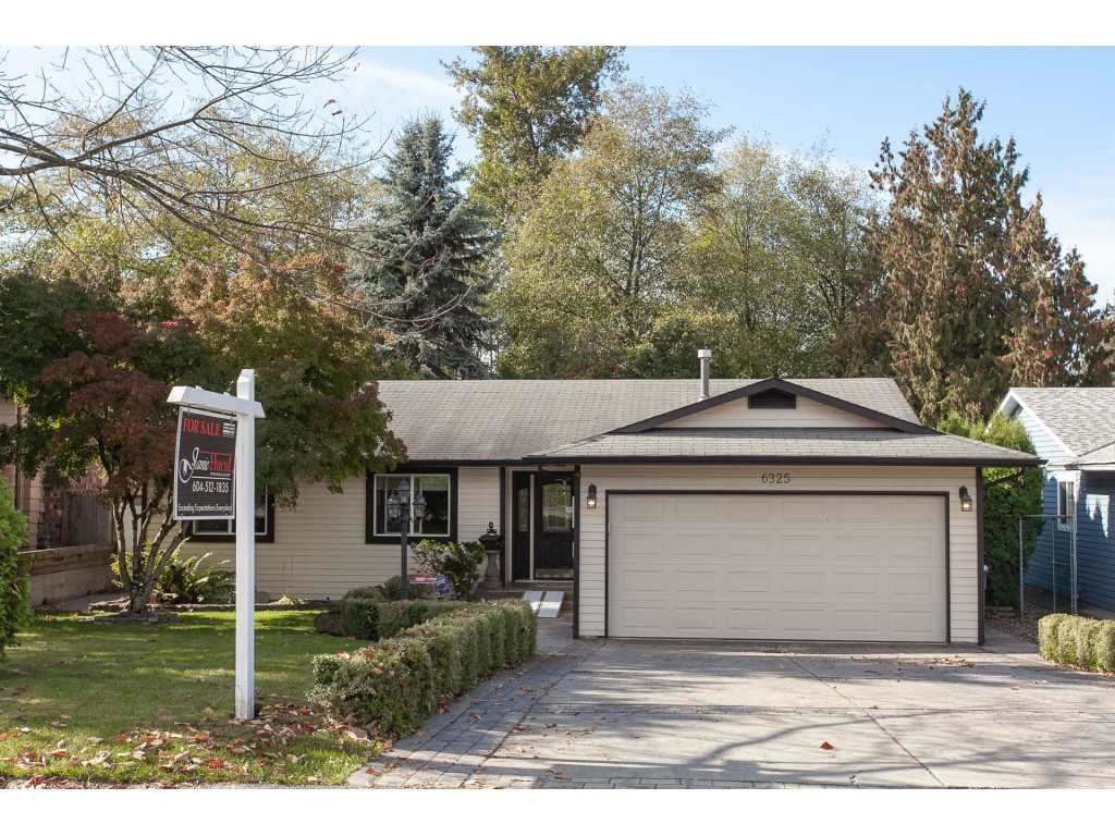 Main Photo: 6325 180A Street in Surrey: Cloverdale BC House for sale (Cloverdale)  : MLS®# R2314641
