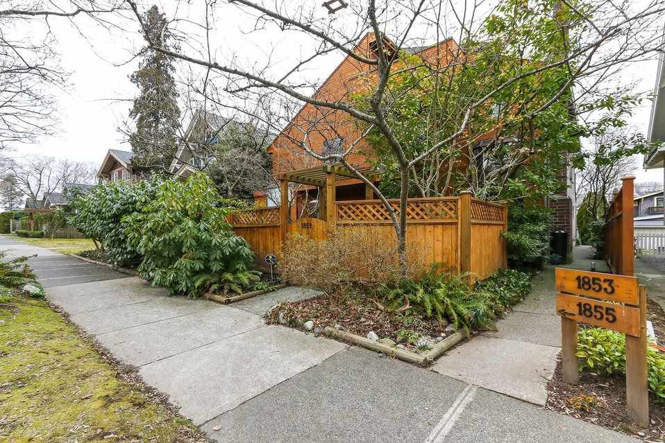 "Main Photo: 1855 W 13TH Avenue in Vancouver: Kitsilano Townhouse for sale in ""LOWER SHAUGHNESSY"" (Vancouver West)  : MLS®# R2348214"