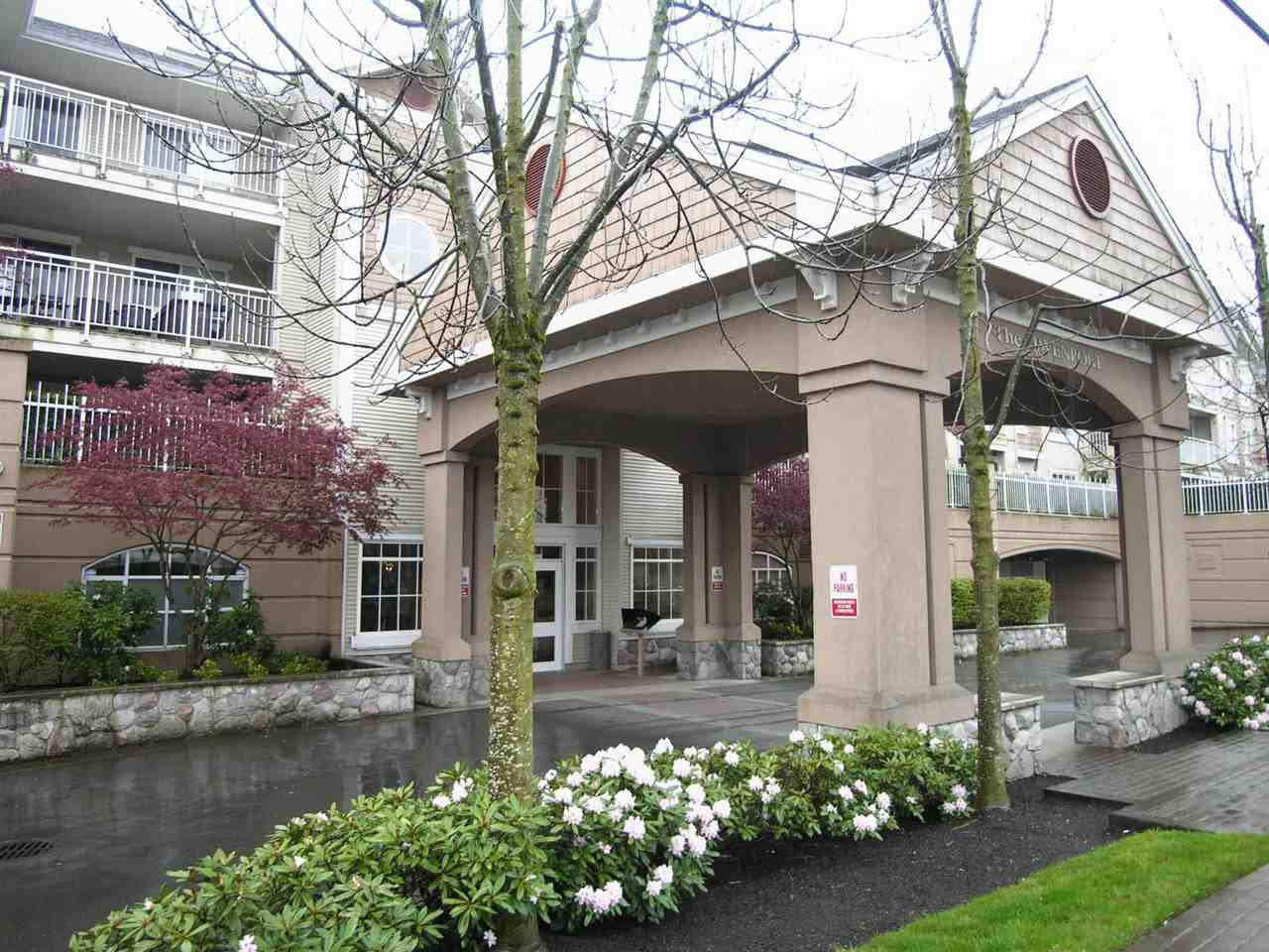 "Main Photo: 329 19750 64 Avenue in Langley: Willoughby Heights Condo for sale in ""Davenport"" : MLS®# R2352435"