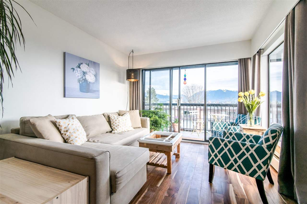 "Main Photo: 302 444 E 6TH Avenue in Vancouver: Mount Pleasant VE Condo for sale in ""TERRACE HEIGHTS"" (Vancouver East)  : MLS®# R2353755"