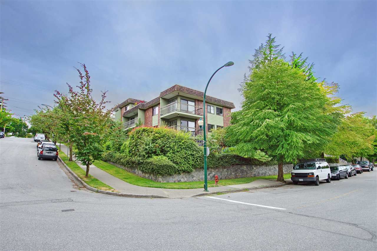 """Main Photo: 213 680 E 5TH Avenue in Vancouver: Mount Pleasant VE Condo for sale in """"MACDONALD HOUSE"""" (Vancouver East)  : MLS®# R2386585"""