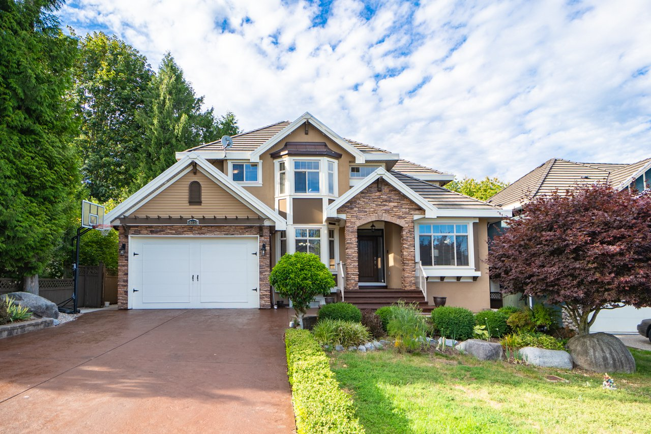 Main Photo: 16235 W 94 Avenue in surrey: Fleetwood Tynehead House for sale (North Surrey)