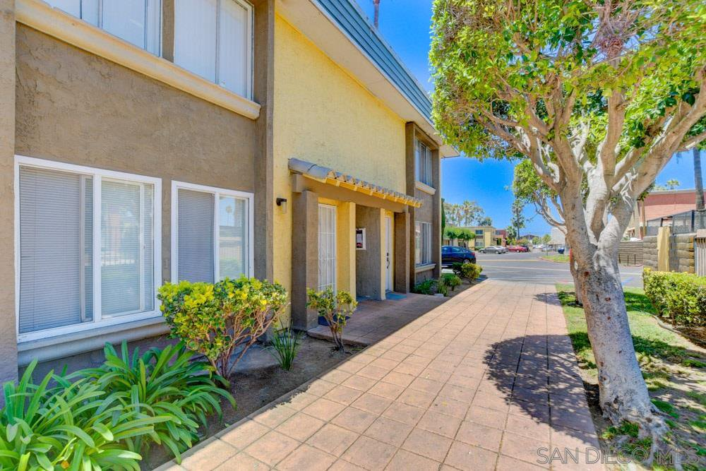 Main Photo: EAST SAN DIEGO Condo for sale : 1 bedrooms : 1641 Pentecost Way #12 in San Diego