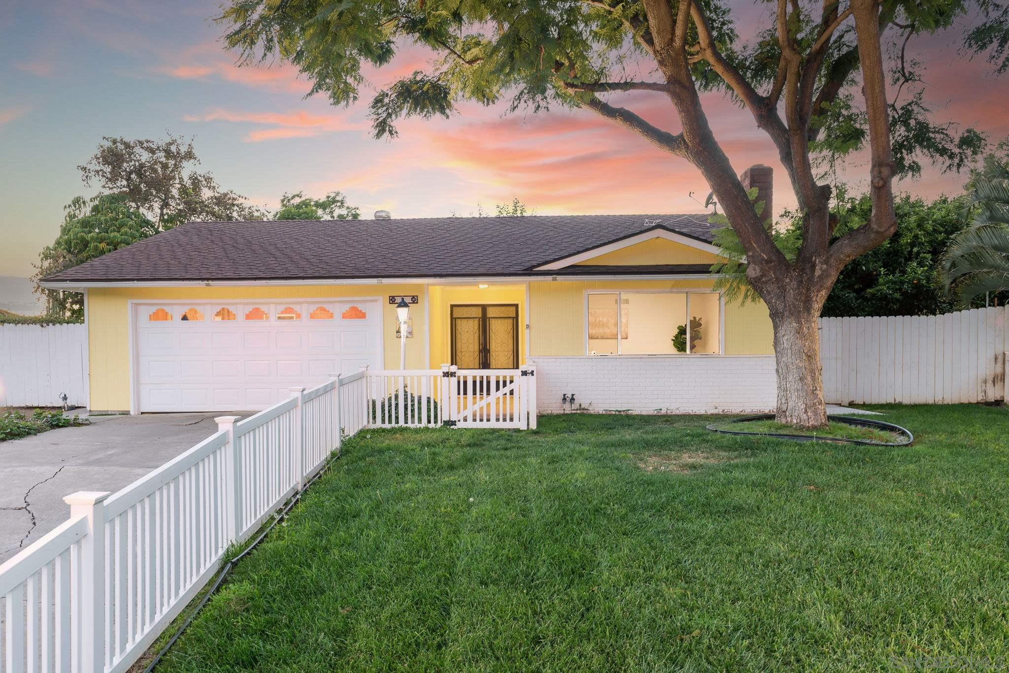 Main Photo: SPRING VALLEY House for sale : 3 bedrooms : 10103 Rayline