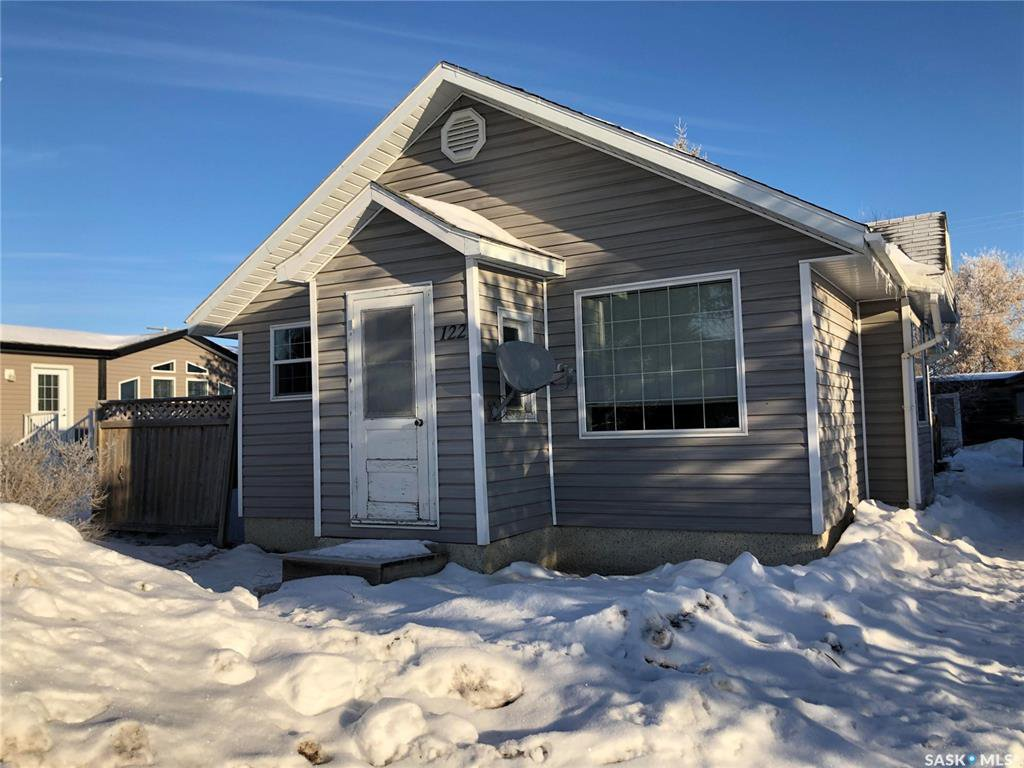 Main Photo: 122 1st Street West in Carrot River: Residential for sale : MLS®# SK837472