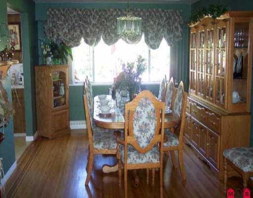 "Photo 7: Photos: 12043 100TH AV in Surrey: Cedar Hills House for sale in ""N/A"" (North Surrey)  : MLS®# F2521834"