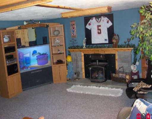 "Photo 4: Photos: 12043 100TH AV in Surrey: Cedar Hills House for sale in ""N/A"" (North Surrey)  : MLS®# F2521834"