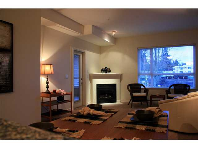 Photo 3: Photos: 204 3151 Connaught Street in North Vancouver: Capilano Highlands Condo for sale : MLS®# V932793