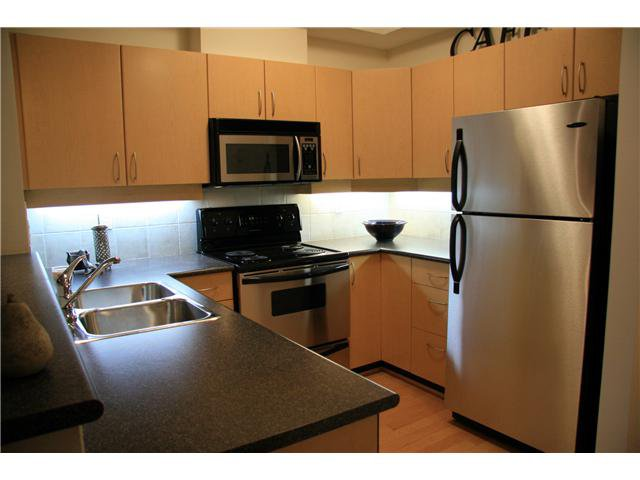 Photo 5: Photos: 204 3151 Connaught Street in North Vancouver: Capilano Highlands Condo for sale : MLS®# V932793