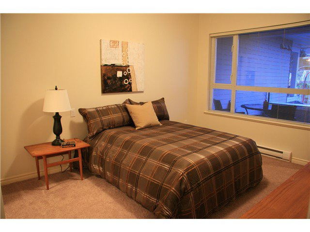 Photo 6: Photos: 204 3151 Connaught Street in North Vancouver: Capilano Highlands Condo for sale : MLS®# V932793