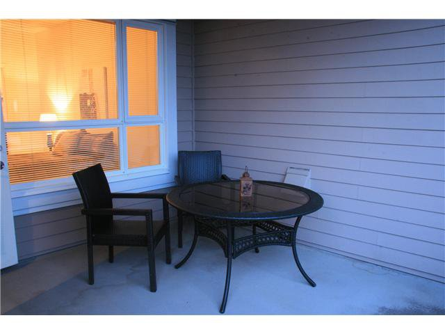 Photo 2: Photos: 204 3151 Connaught Street in North Vancouver: Capilano Highlands Condo for sale : MLS®# V932793