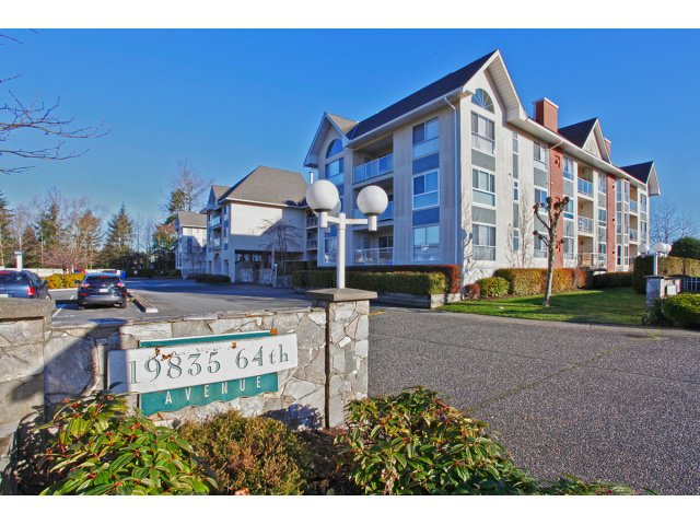 "Main Photo: 215 19835 64TH Avenue in Langley: Willoughby Heights Condo for sale in ""Willowbrook Gate"" : MLS®# F1429929"