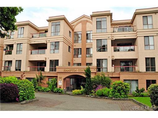 Main Photo: 308 545 Manchester Rd in VICTORIA: Vi Burnside Condo for sale (Victoria)  : MLS®# 702839