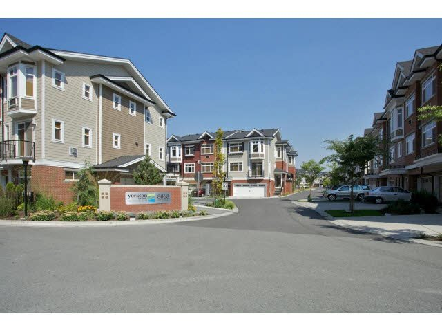 "Main Photo: 85 8068 207TH Street in Langley: Willoughby Heights Townhouse for sale in ""YORKSON CREEK SOUTH"" : MLS®# F1449437"