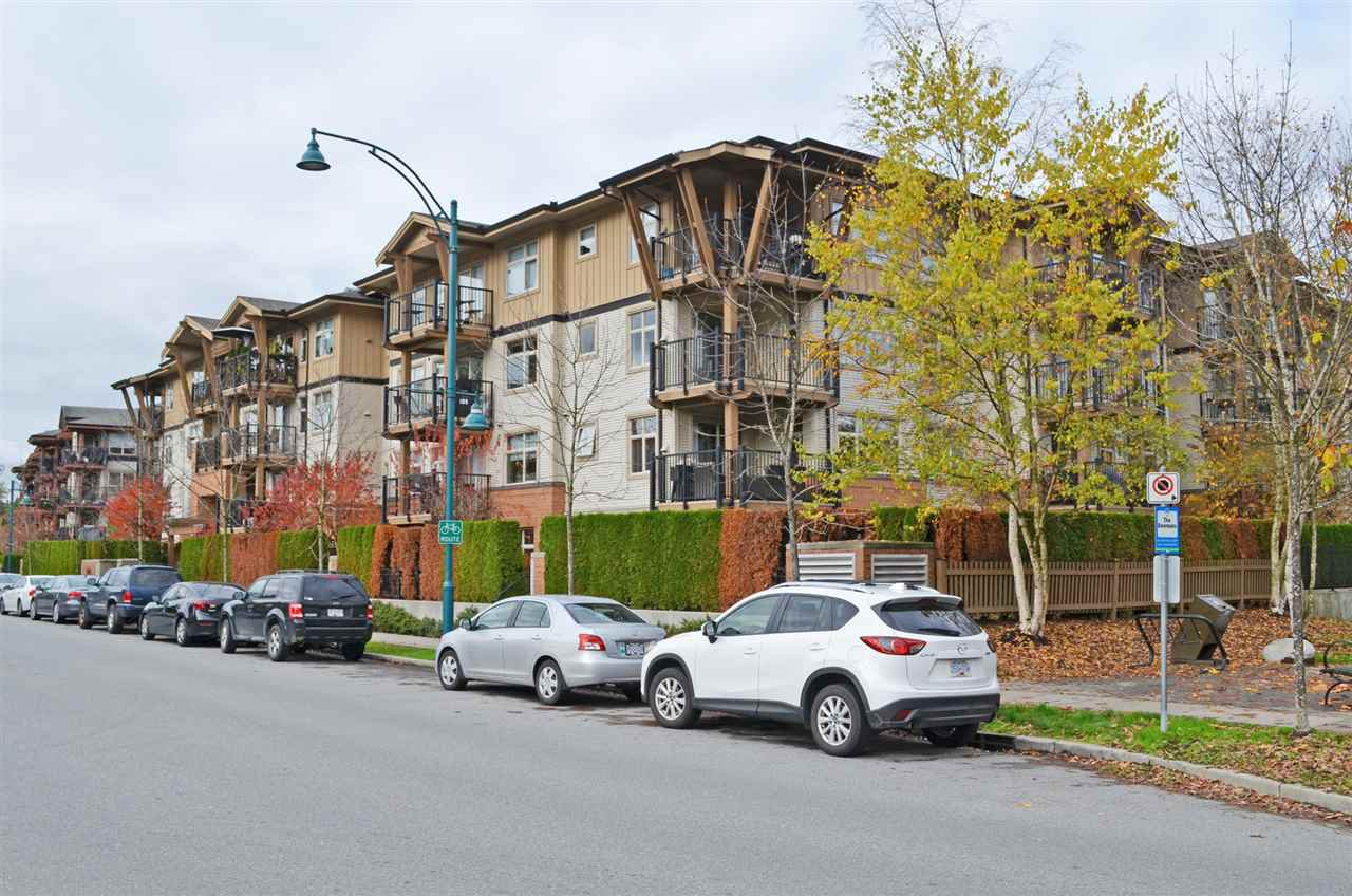 """Main Photo: 309 500 KLAHANIE Drive in Port Moody: Port Moody Centre Condo for sale in """"TIDES"""" : MLS®# R2011604"""