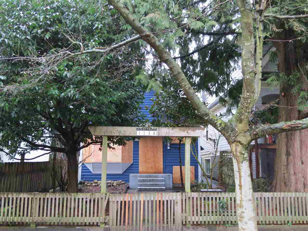 Main Photo: 1138 LILY Street in Vancouver: Grandview VE House for sale (Vancouver East)  : MLS®# R2035190