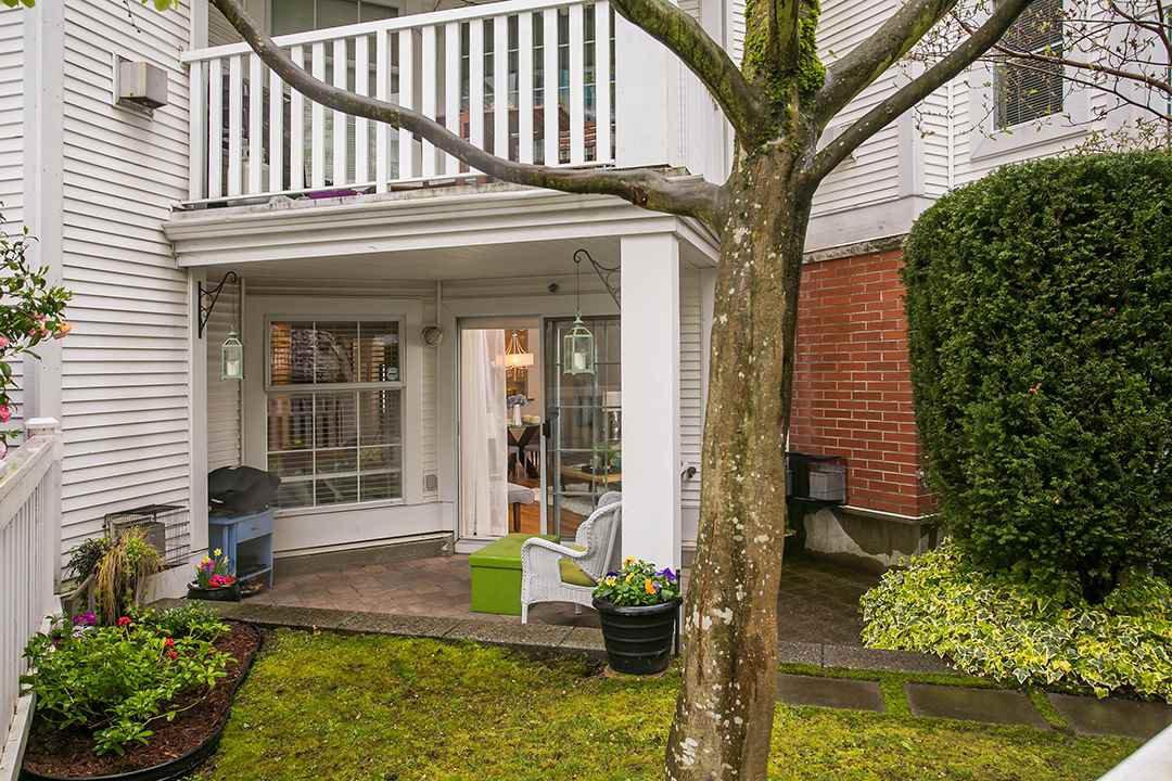 "Main Photo: 103 137 E 1ST Street in North Vancouver: Lower Lonsdale Condo for sale in ""CORONADO"" : MLS®# R2053942"