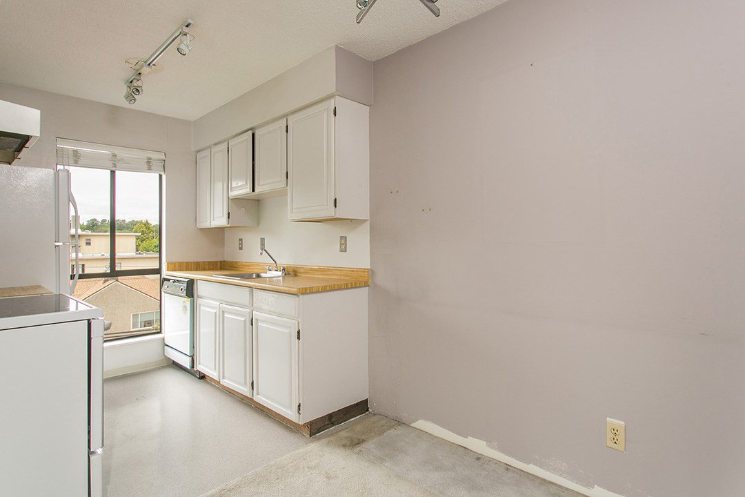 "Photo 3: Photos: 402 3680 W 7TH Avenue in Vancouver: Kitsilano Condo for sale in ""Jericho House"" (Vancouver West)  : MLS®# R2072178"