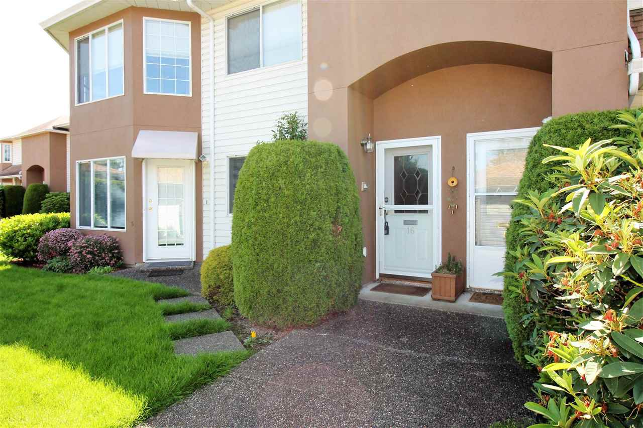 "Main Photo: 16 46350 CESSNA Drive in Chilliwack: Chilliwack E Young-Yale Townhouse for sale in ""Hamley Estates"" : MLS®# R2074933"