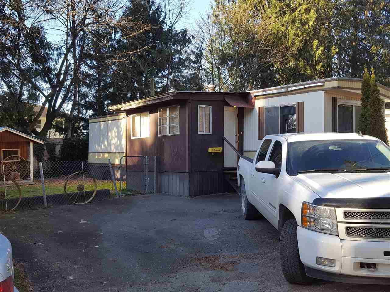 """Main Photo: 6 52604 YALE Road in Rosedale: Rosedale Popkum Manufactured Home for sale in """"MOUNT CHEAM MOBILE HOME PARK"""" : MLS®# R2127602"""